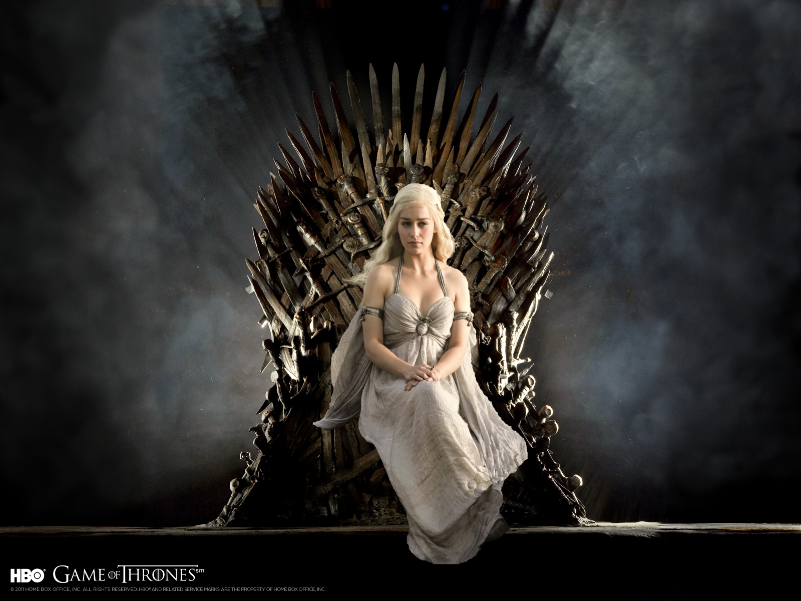daenerys_targaryan__game_of_thrones_wallpaper_by_darkelektra-d592zg3