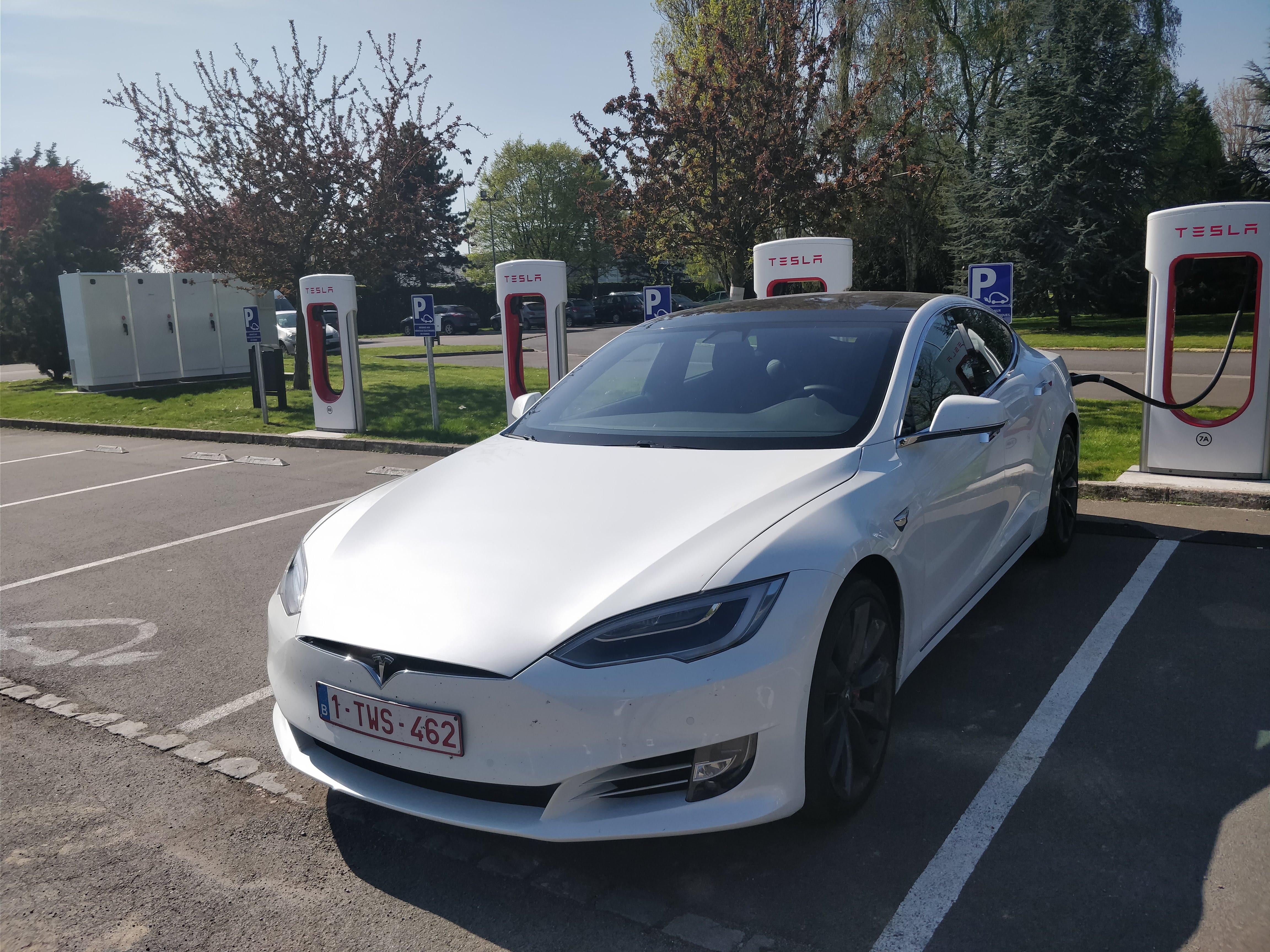Tesla Model S P100D: 5 choses que nous aimons (beaucoup) et 3 qu'on aime moins.