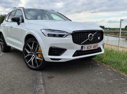 Volvo-XC60-T8-Polestar-Engineered-blanc-nacre-3-4-avant-etiquette-1